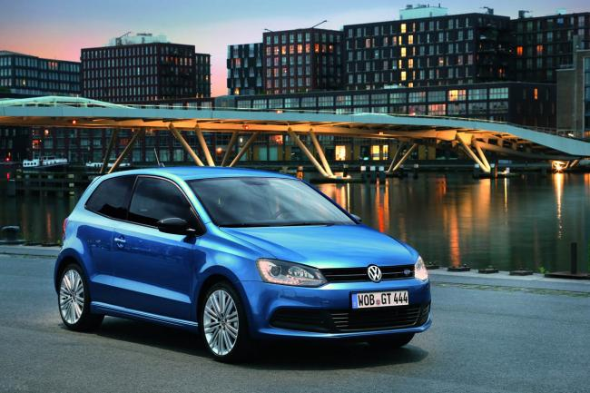 2019 Volkswagen Polo Saloon photo - 1