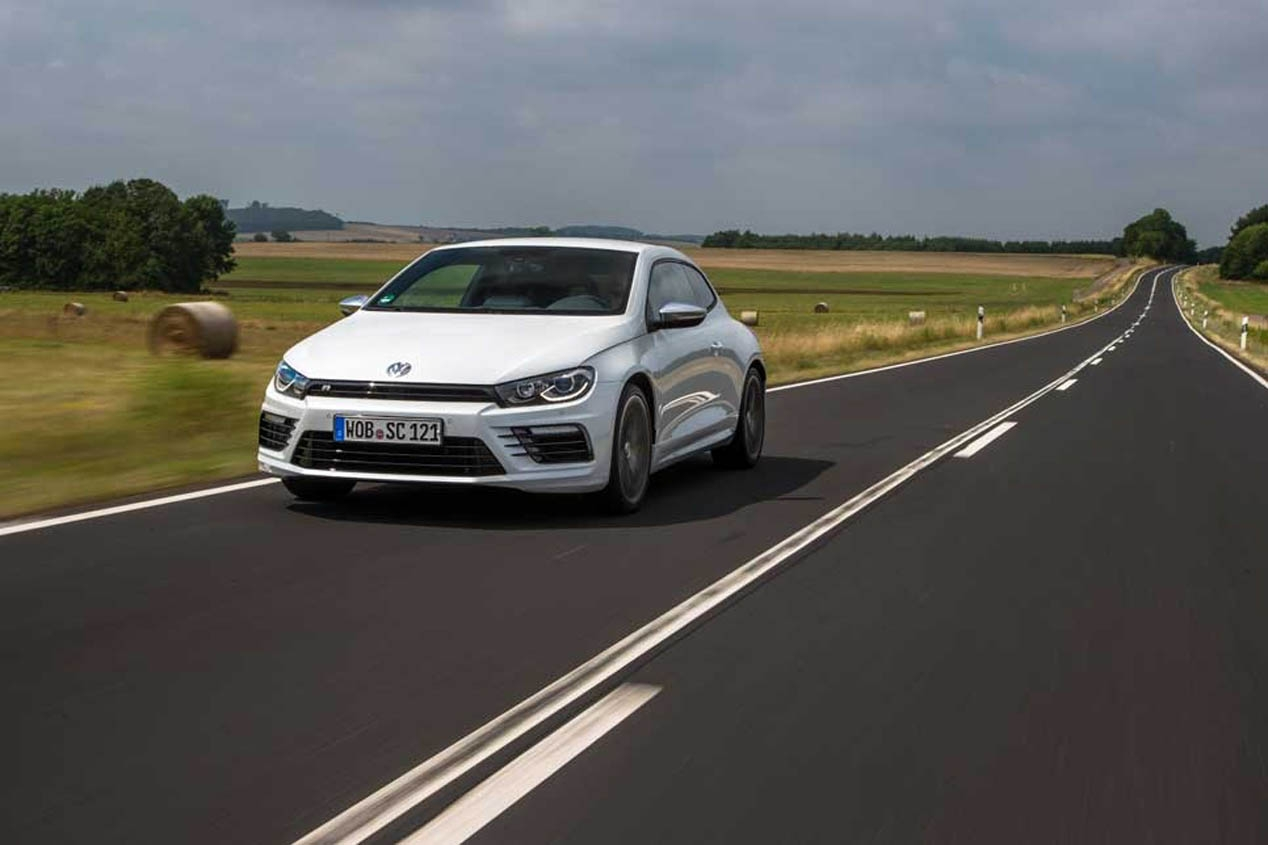 2019 Volkswagen Scirocco R photo - 1