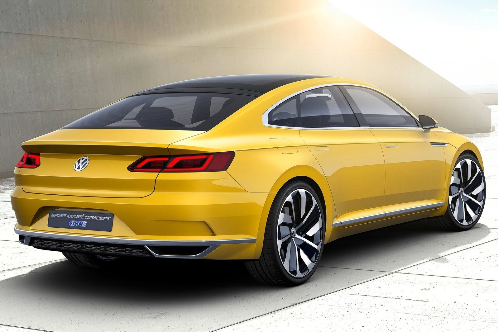2019 Volkswagen Sport Coupe GTE Concept photo - 1