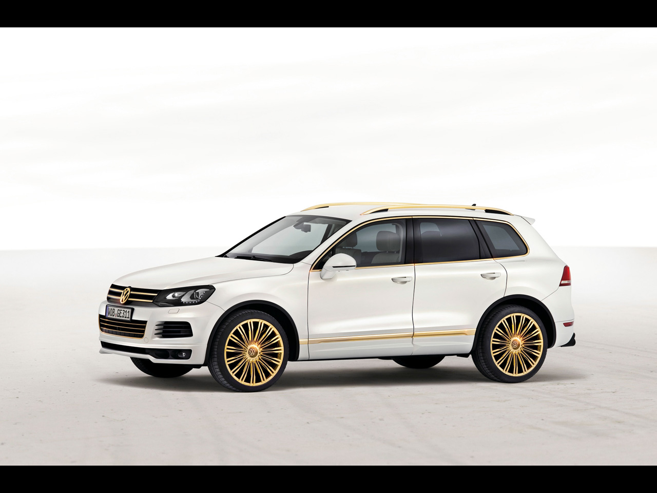 2019 Volkswagen Touareg Edition X photo - 4