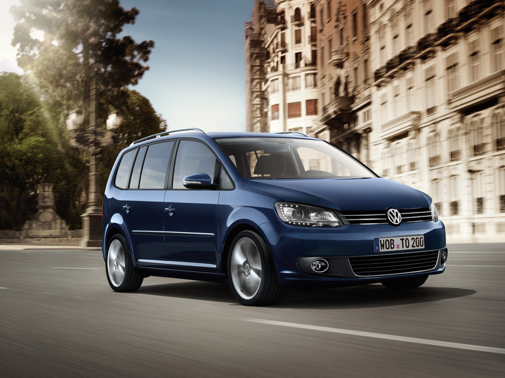 2019 Volkswagen Touran photo - 1