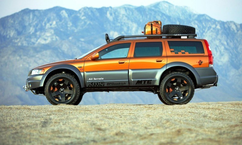 2019 Volvo XC70 Surf Rescue Concept photo - 1