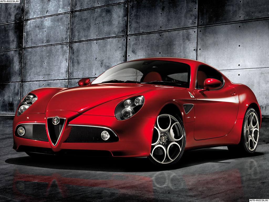 2015 Alfa Romeo 8C photo - 1