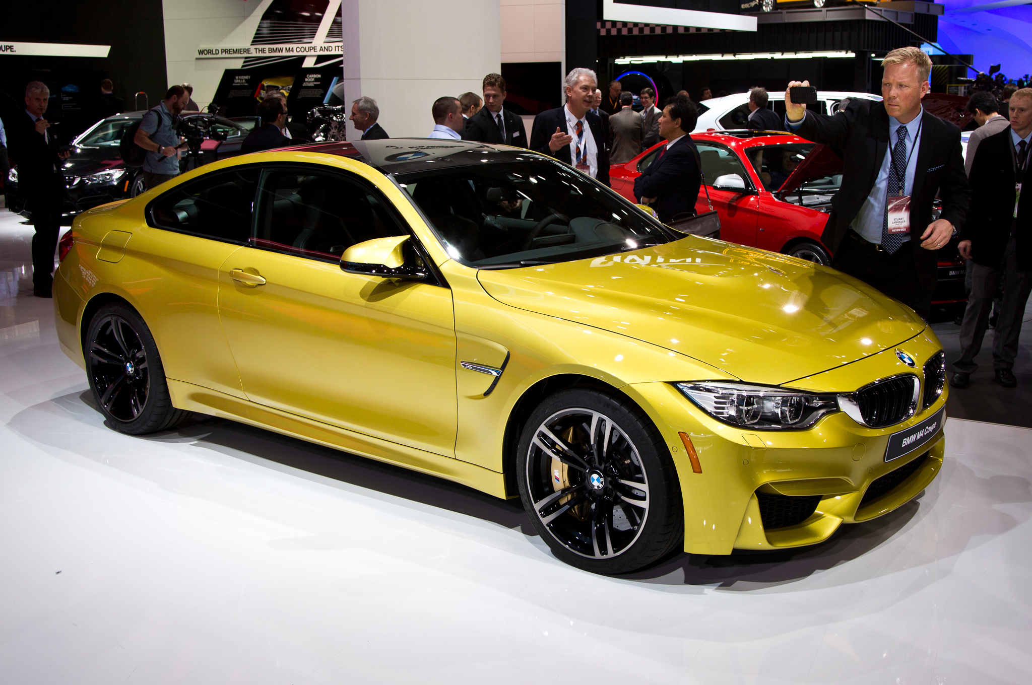 2015 BMW M4 Coupe photo - 1