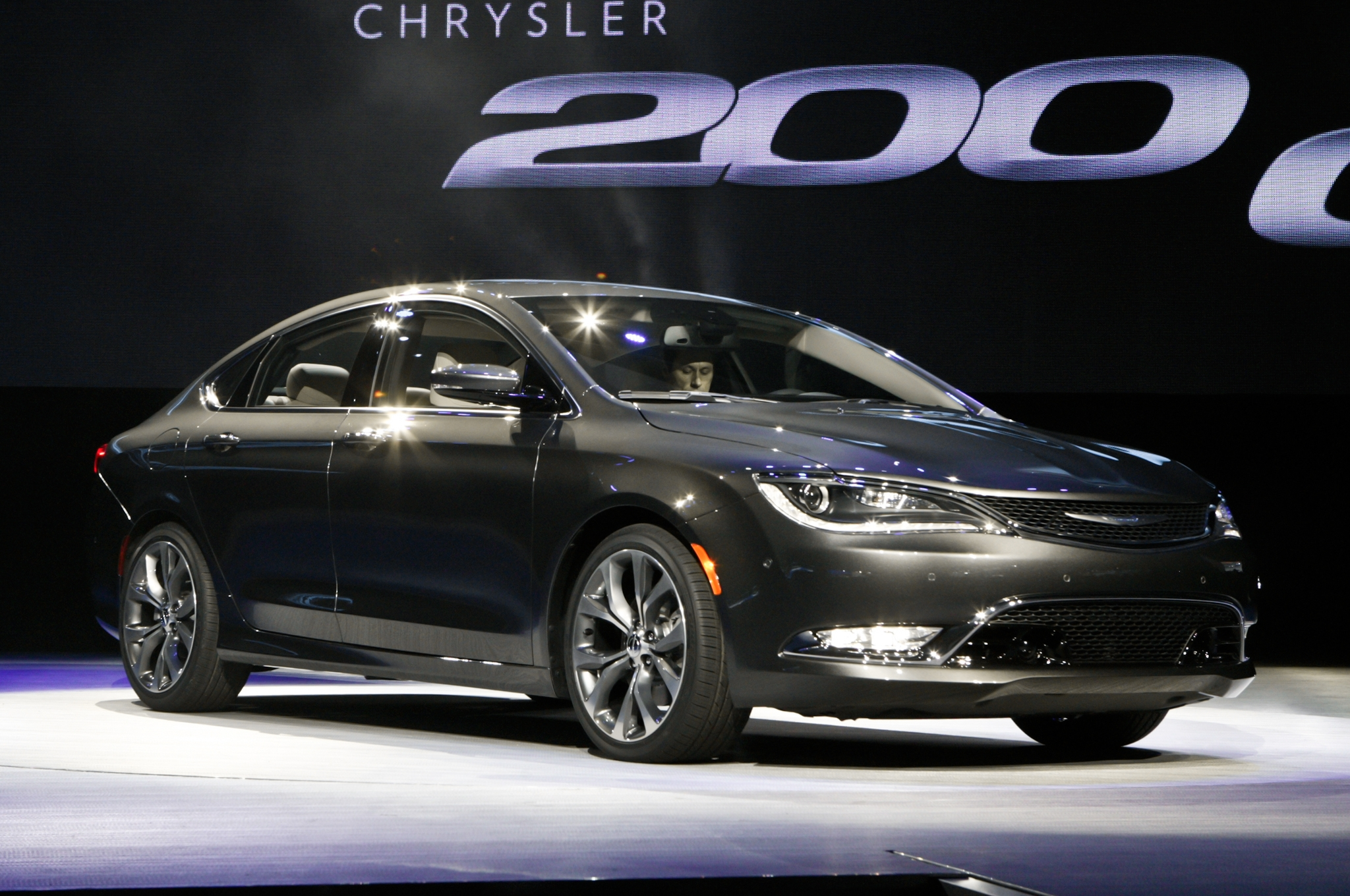 2015 Chrysler 200 photo - 2