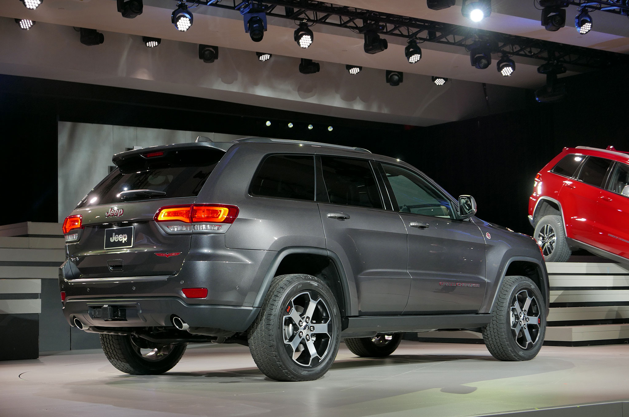 2019 Jeep Grand Cherokee Trailhawk | Car Photos Catalog 2019